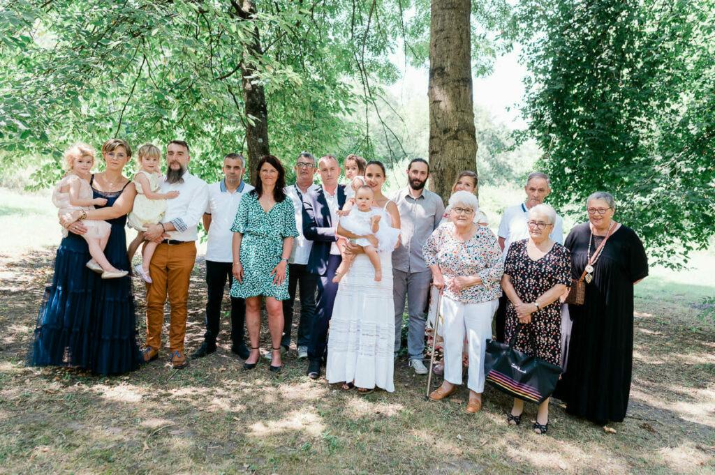 """alt=""""photographe famille Lyon; photographe famille auvergne-Rhône-Alpes; photographe baptême Lyon; photographe baptême France; photos de naissance; photos nouveau-né; photo de grossesse Lyon"""""""